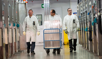 ARCEP visits Europe's largest optical fibre plant in France